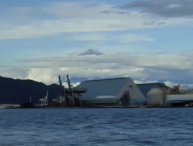 富士山🗻初冠雪を観測したようです(^^)サムネイル